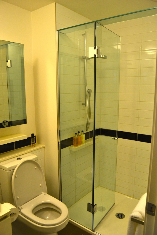 Kamar Mandi Toilet Bathroom Melbourne Airbnb William Street