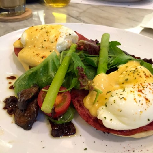 Eggs Benedict Common Ground Jakarta